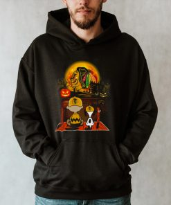 Snoopy and Charlie Brown Pumpkin Chicago Blackhawks Halloween Moon shirt