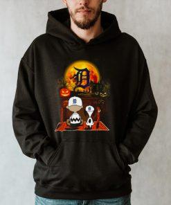 Snoopy and Charlie Brown Pumpkin Detroit Tigers Halloween Moon shirt