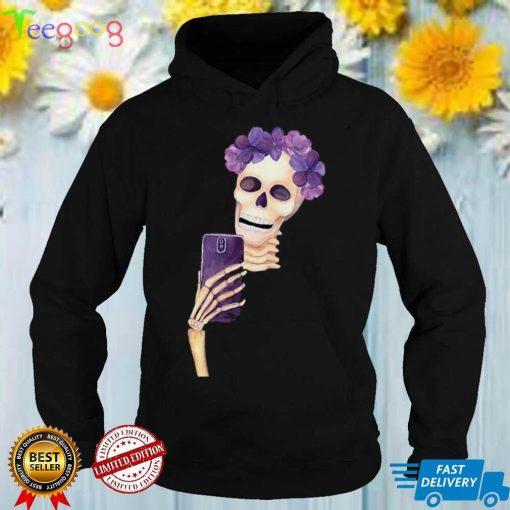Skeleton Taking Selfie Halloween T shirt