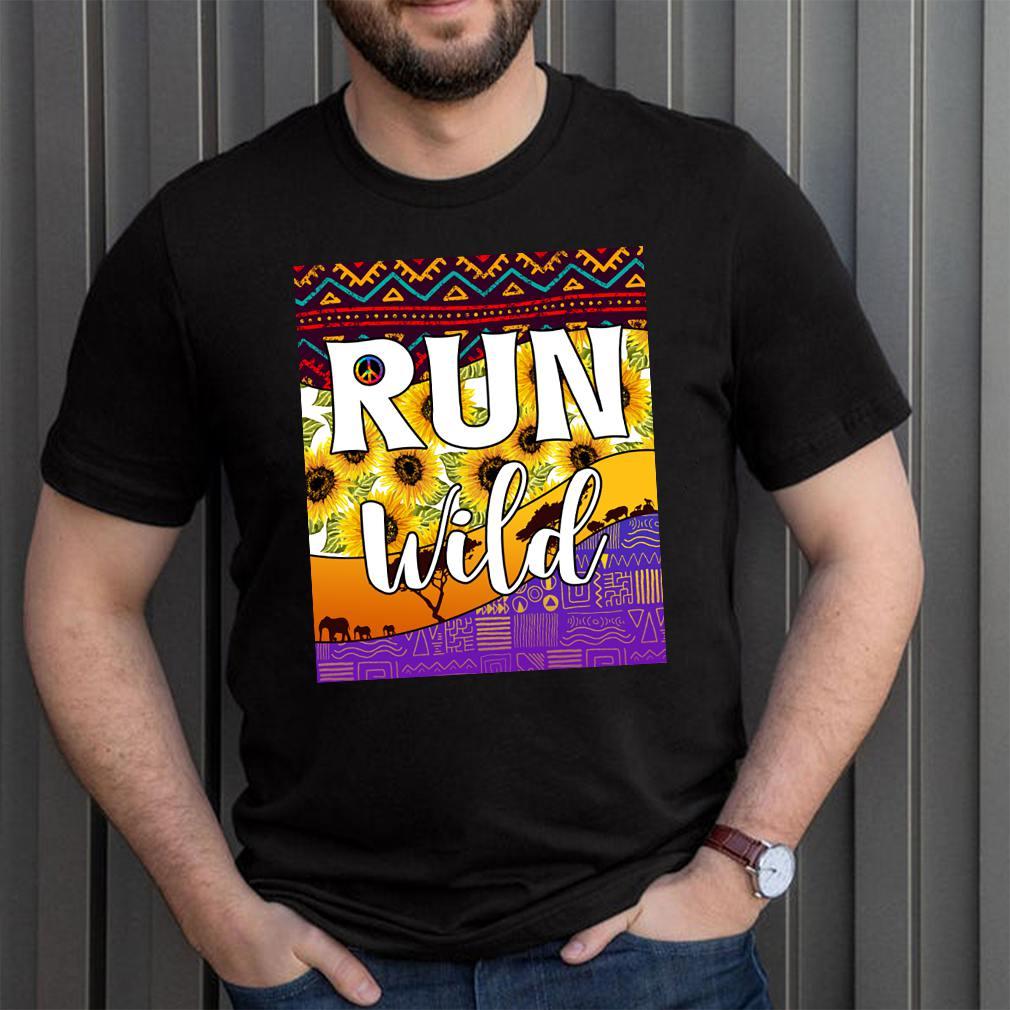 Best Hippie Soul Lifestyle Shirt Peace Love Hippy Run Wild Ethnic Floral Hippies T-Shirt 10