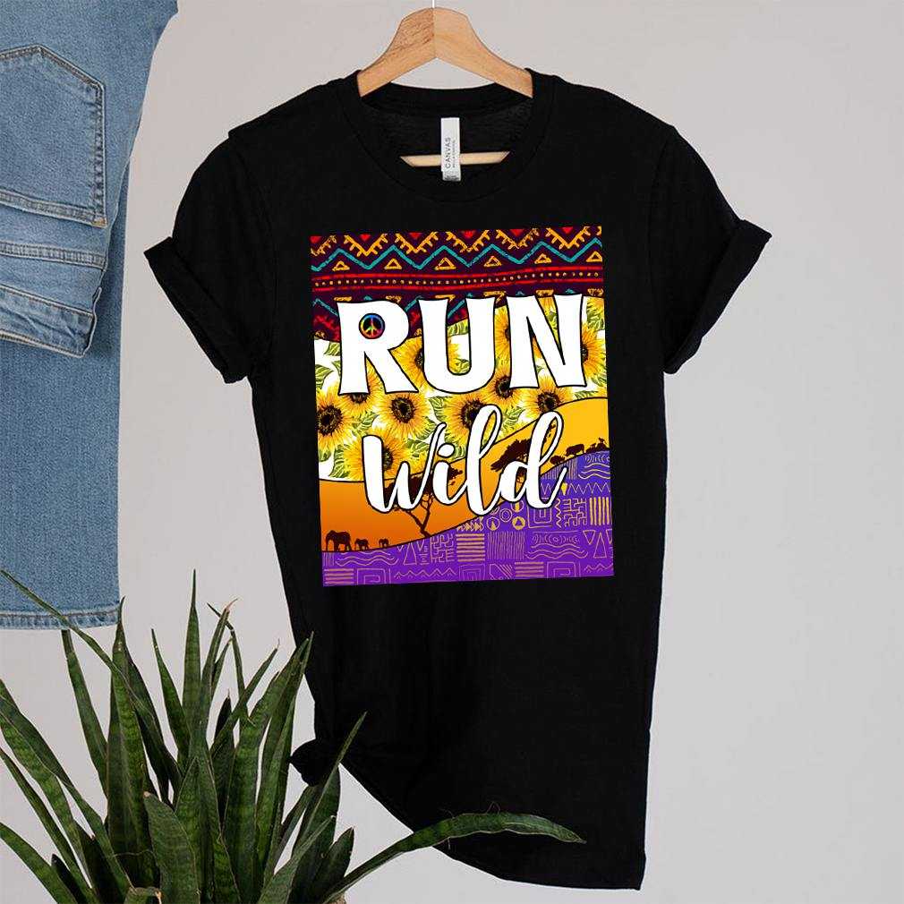 Best Hippie Soul Lifestyle Shirt Peace Love Hippy Run Wild Ethnic Floral Hippies T-Shirt 14
